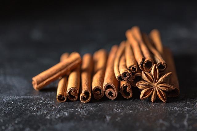 Cinnamon oil for sauna